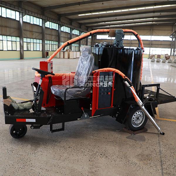 座驾式沥青灌缝机